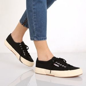 Superga Classic Black/Cream